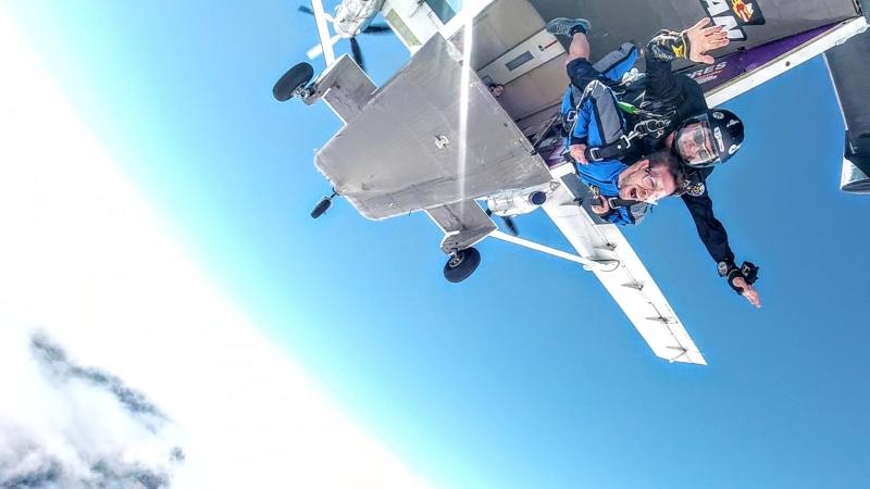 Tandemový seskok ze 6000 metrů